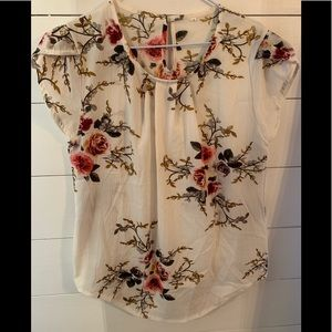 Floral cap sleeved blouse